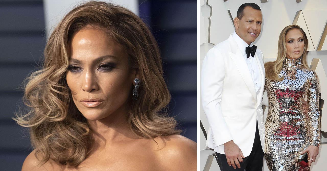Jennifer Lopez poserar på röda mattan