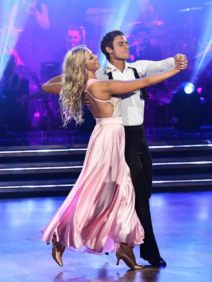 Samir Badran och Sigrid Bernson dansar i Let's dance