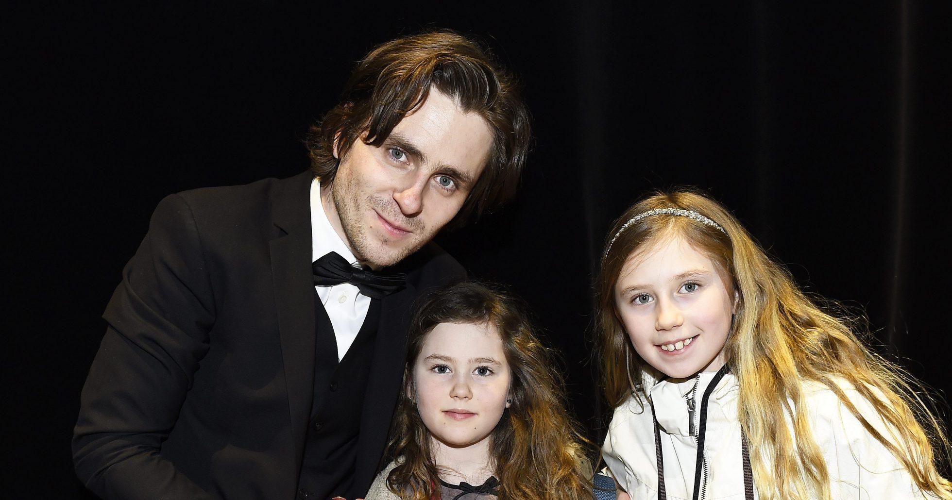 Sverrir Gudnason har barnen varannan vecka: