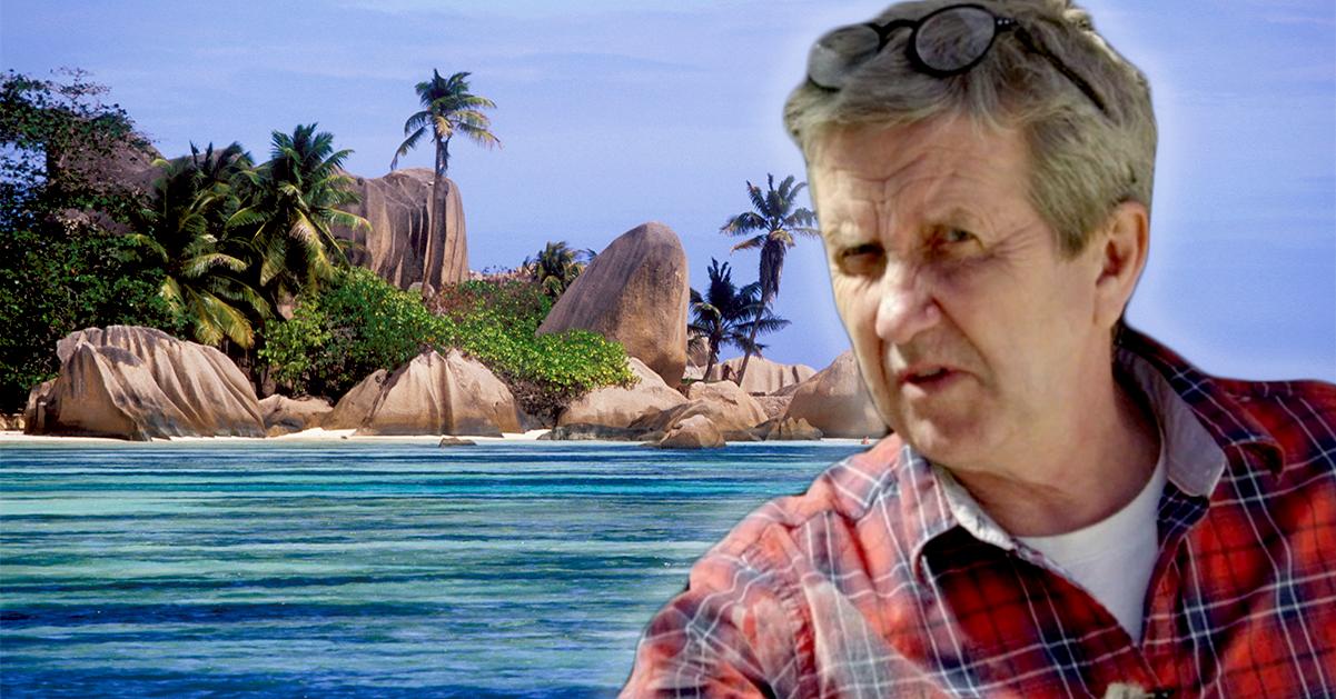Efter sexskandalen – Martin Timell flyr Sverige för paradisö
