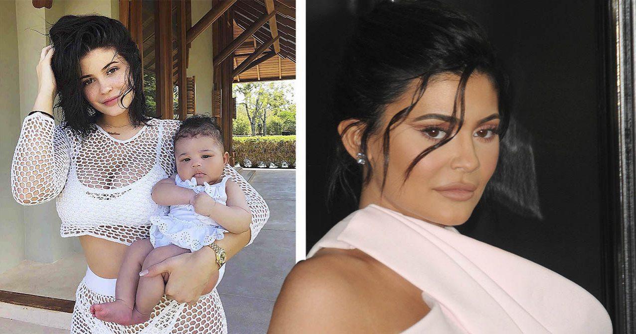 Kylie Jenner håller i Stormi