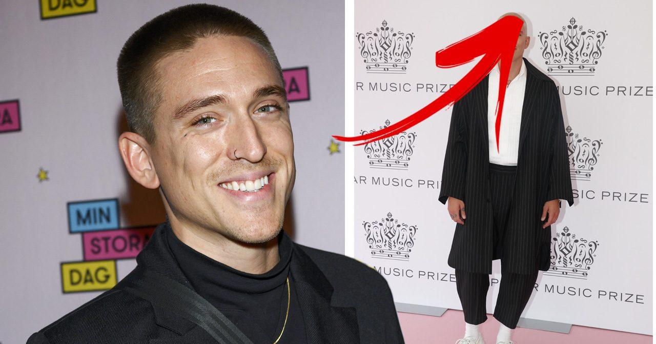 Danny Saucedo visar upp sitt nya blonda hår på Polarpriset 2019.